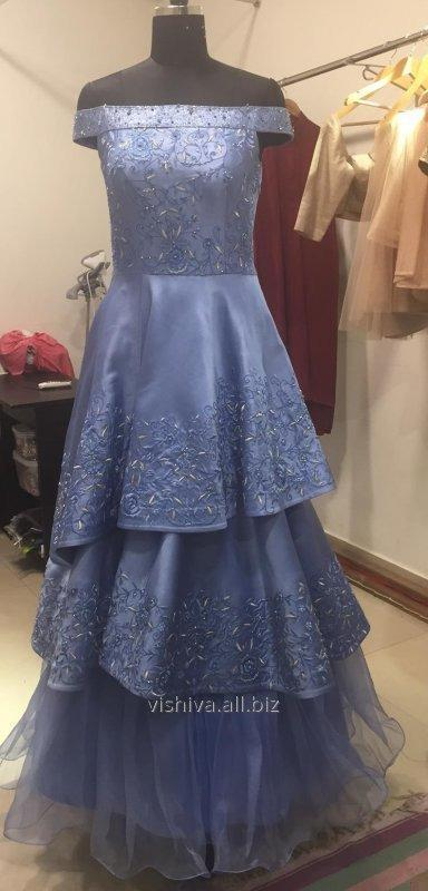 thread_and_zari_embroidery_blue_dress