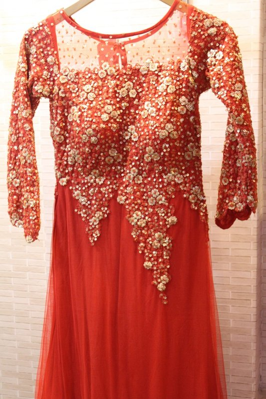red_net_trail_sequins_work_gown