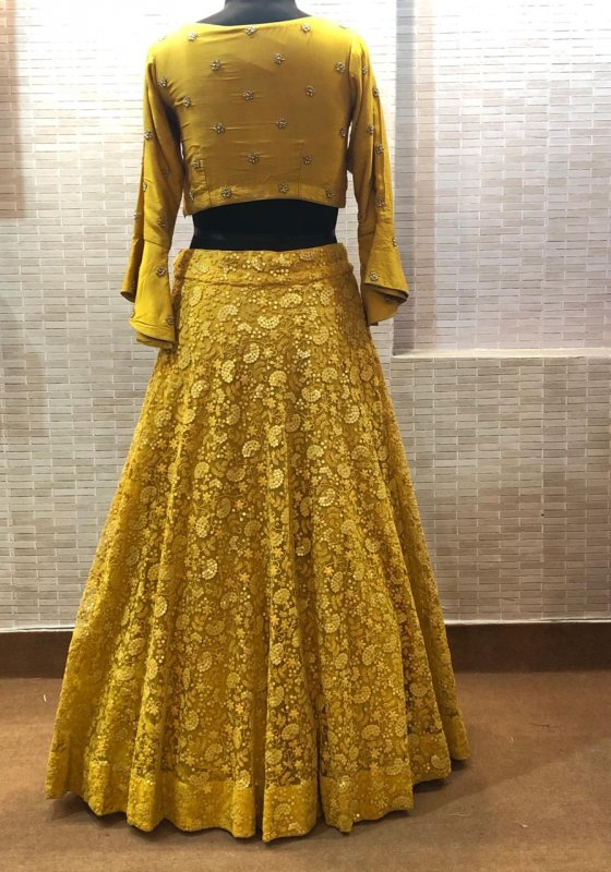 thread_and_sequins_embroidery_yellow_dress