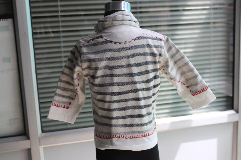 grey_lurex_shrug_reverse_print_on_sweater_scarf