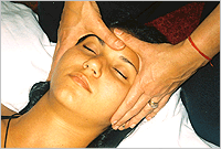 Order Tours - Ayurvedic massage and houseboat stay