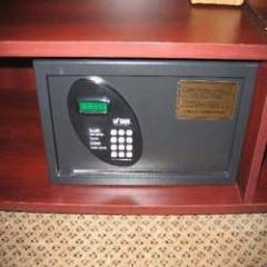 Electronic Safe in Guest Rooms