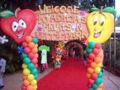 Balloon decorator